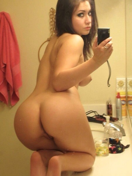 milfs doing it naked