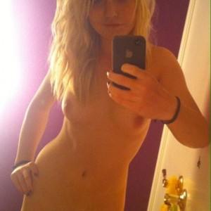 nude-teen-selfie-001