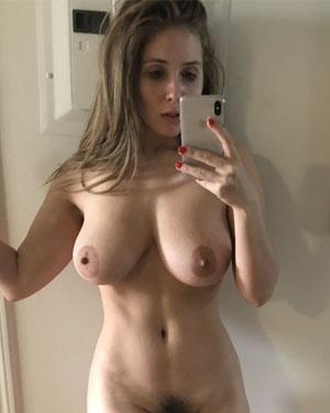 lean-paul-nude-selfies